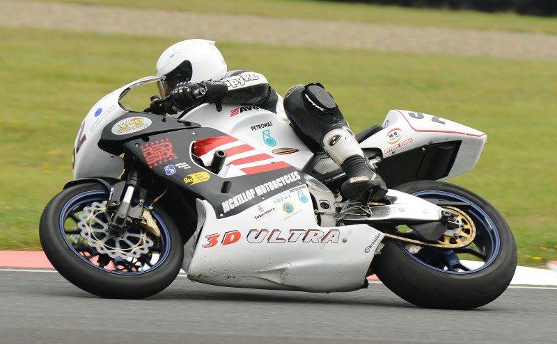 Stephen McKeown wins Formula 1 Era Superbike Championship on Avon Tyres