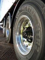 Don-Bur fitting new xlite super single wheels to Teardrop trailers