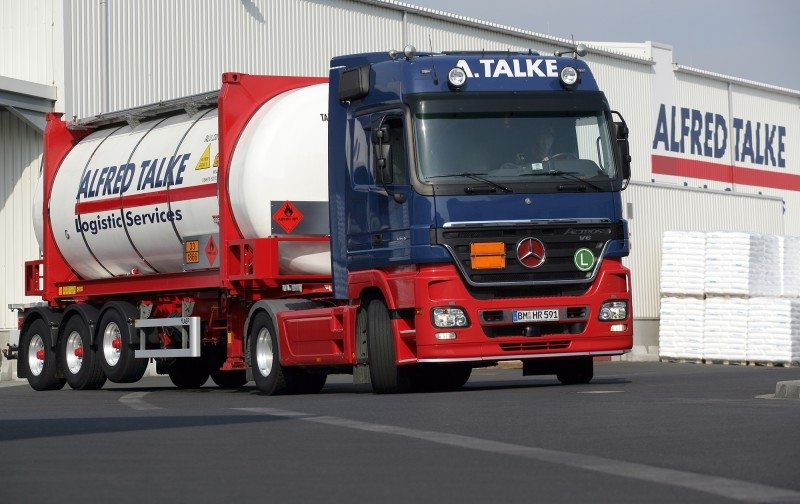"""Lanxess: """"Green Tyres"""" save truck drivers save truck drivers 8.5 per cent on fuel"""