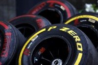 P Zero Red supersoft and Yellow soft tyres