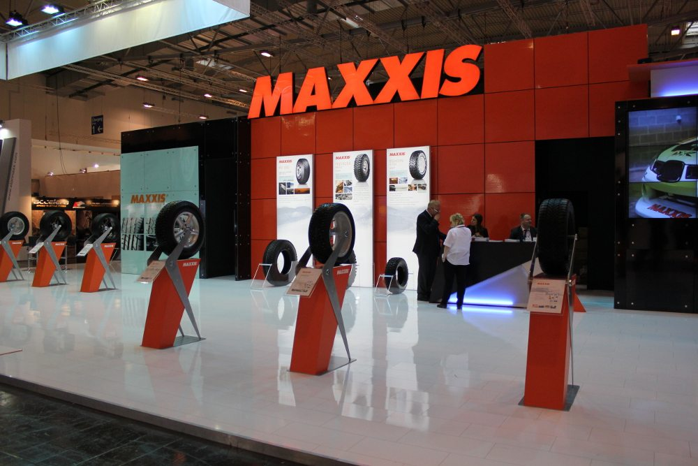 Maxxis stand Reifen 2014