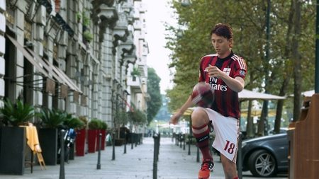 A.C. Milan players dribble from the rooftops with Toyo Tire