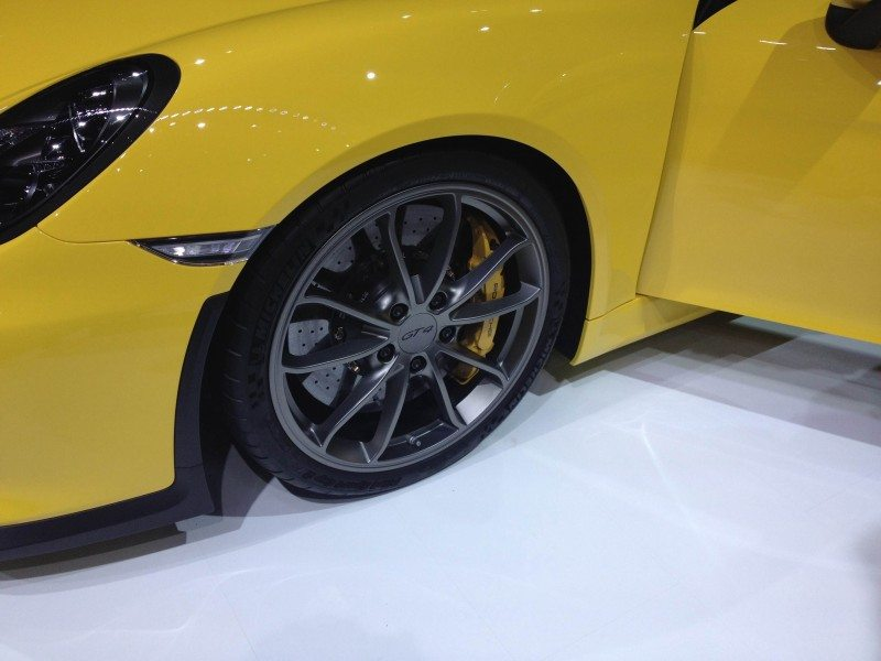 Michelin tyres OE on Porsche Cayman GT4