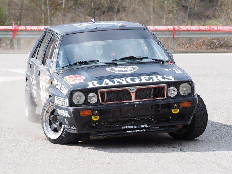 Debut for Pirelli P7 Classic W7 on Costa Brava historic rally