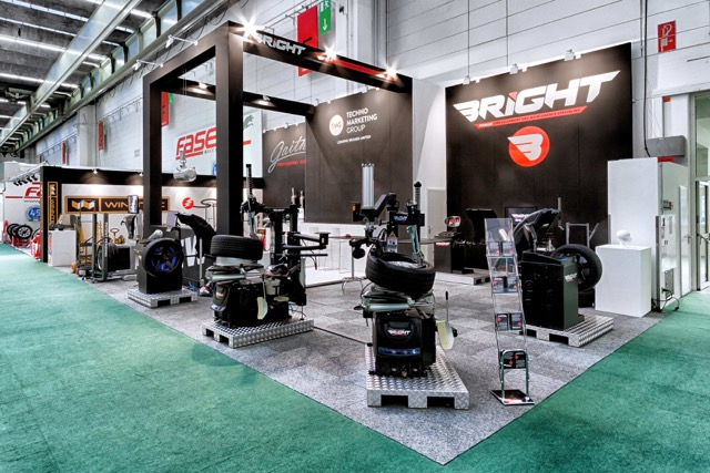 Autopromotec debut for Bright Premium Plus wheel balancer