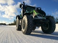 Valtra sets new tractor speed record on Nokian Tyres