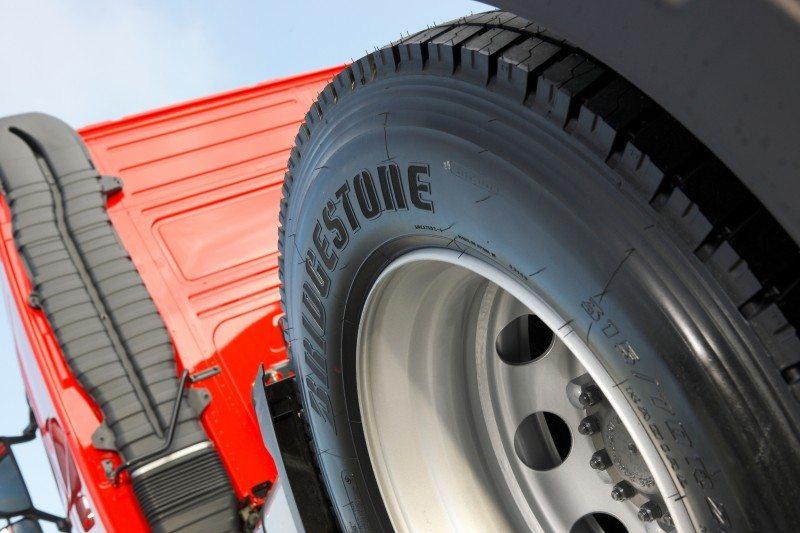 Maxi Haulage signs Bridgestone fleet contract