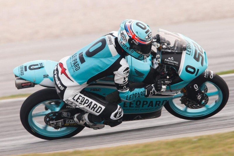 Moto3's Kent, Oliveira fight for championship