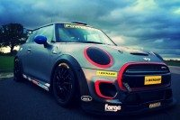 Dunlop returns as Mini Challenge tyre supplier