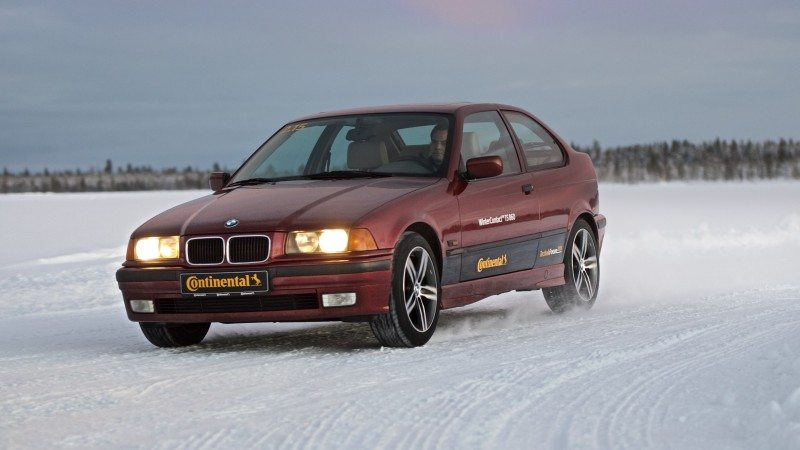Continental compares WinterContact TS 860 with 15-year-old tyres...and cars