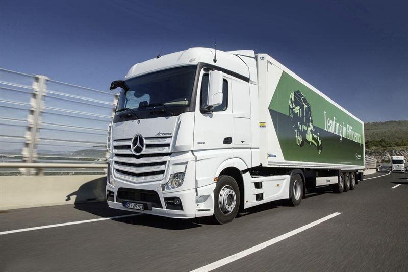 Mercedes-Benz approves latest Michelin X Line tyres for Actros