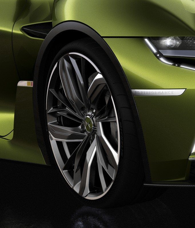 Michelin's concept tyre is based on the existing Pilot Super Sport, with special features designed to enhance acoustic comfort