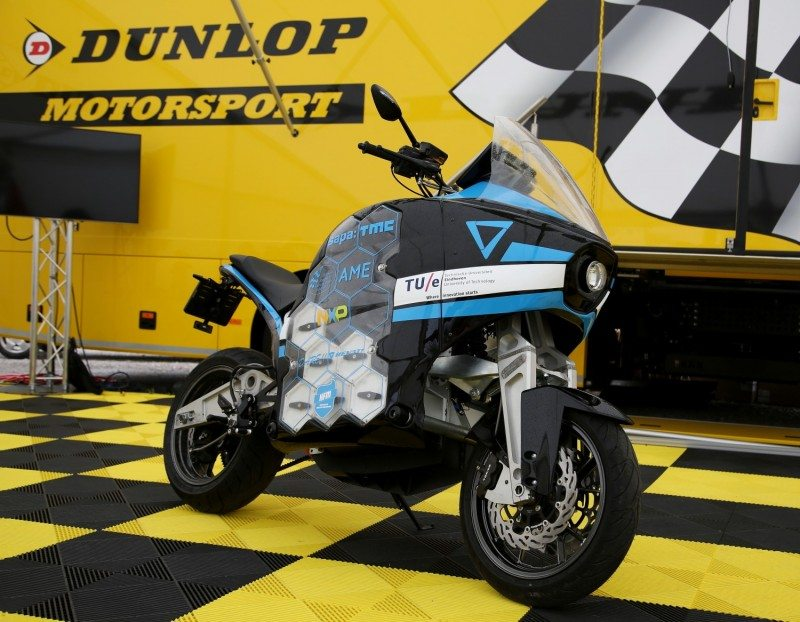 Around the world in 80 days on Dunlop Roadsmart III tyres