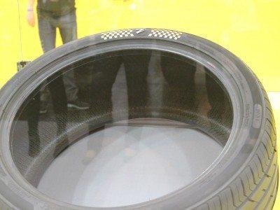 Zenises presents US$600,000 world record tyre