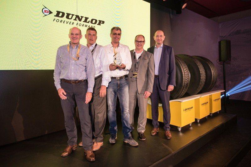 (l-r) André Vennemann, Goodyear Dunlop Handelssysteme; Nigel Sowerby, Goodyear Dunlop; Jörg Bräcklein, Premio Roespel; Jan-Piet Huylebroeck, Goodyear Dunlop; Michel Rzonzef, Goodyear Dunlop