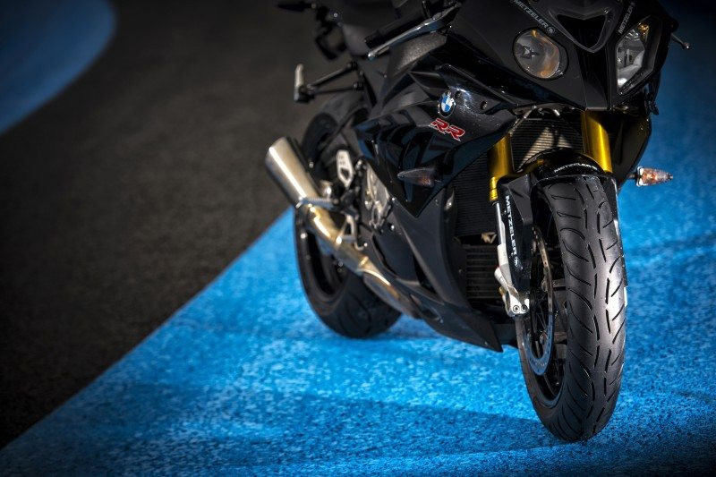 The Metzeler Sportec M7 RR won the PS supersport bike tyre test