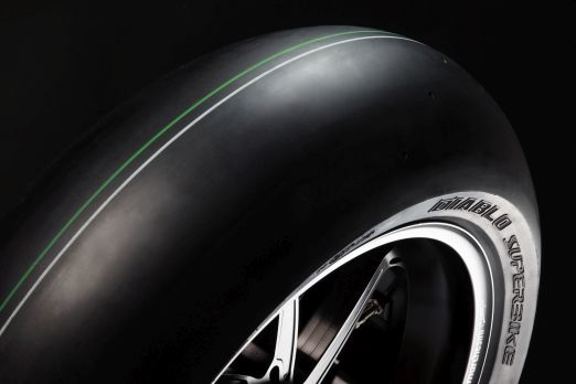 The Pirelli Diablo Superbike won the latest racing slick test by PS magazine