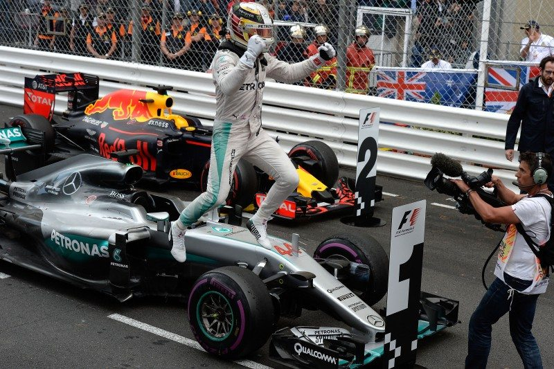 Lewis Hamilton successfully completed 47 laps on the Pirelli P Zero Purple ultrasoft, its first race appearance