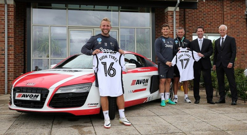 (l-r) Derby County's Johnny Russell, Chris Martin, Nigel Pearson and John Vicars celebrate the new sponsorship deal with Cooper Tire Europe vice president of European operations and managing director, Jeff Schumaker