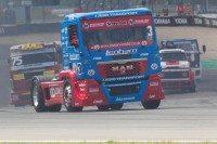 Roadlink sponsors truck racing champion