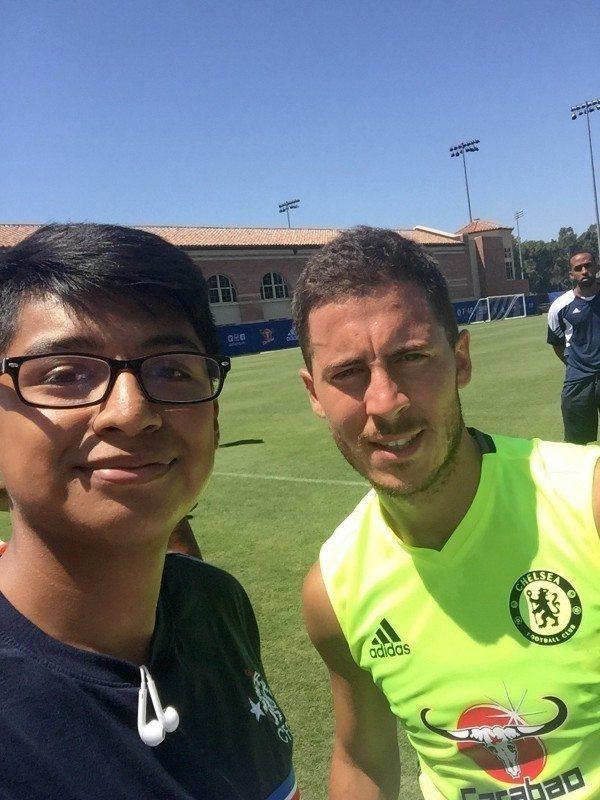 'Ultimate Chelsea fan' Daniel E from Phoenix, Arizona poses with Eden Hazard