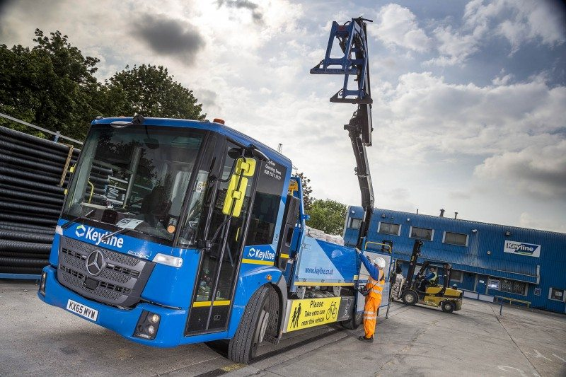 Econic KeylinPirelli supplies front steer tyres for the majority of Travis Perkins' 2,000-strong truck fleet over 7.5 tonnes. At the end of May Travis Perkins confirmed that it now runs three Mercedes-Benz Econics in London.