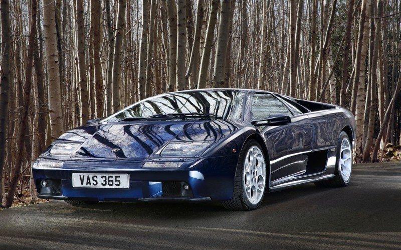 80 supercars line up at Salon Privé for Pirelli Prestige & Performance Competition