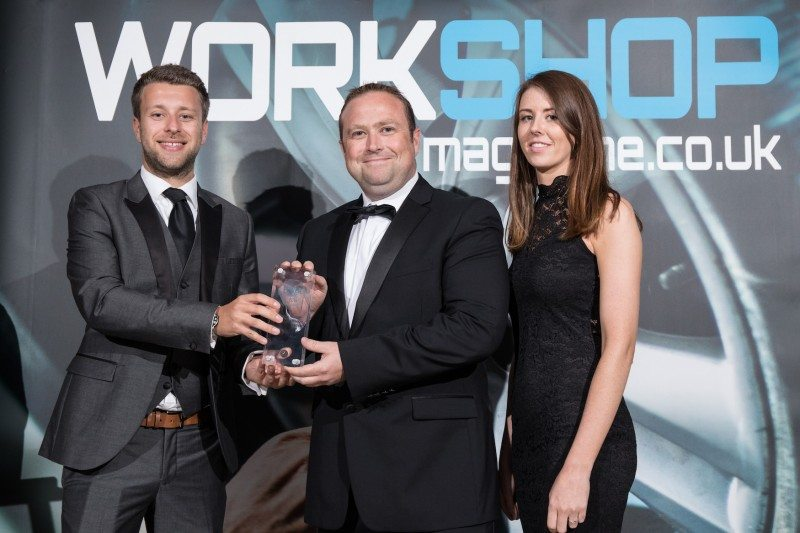 Head of communications & PR, Paul Baylis, and brand & communications manager, Áine McCarthy receive ECP's Workshop Power Awards