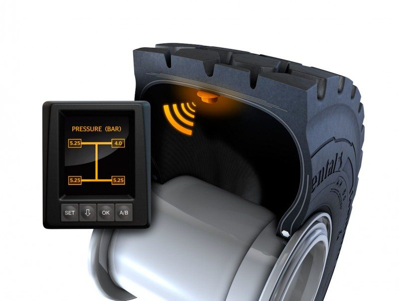 The ContiPressureCheck system uses sensors to continuously measure pressure and temperature within the tyre. Continental delivers all ContiEarth tyres with a pre-mounted sensor