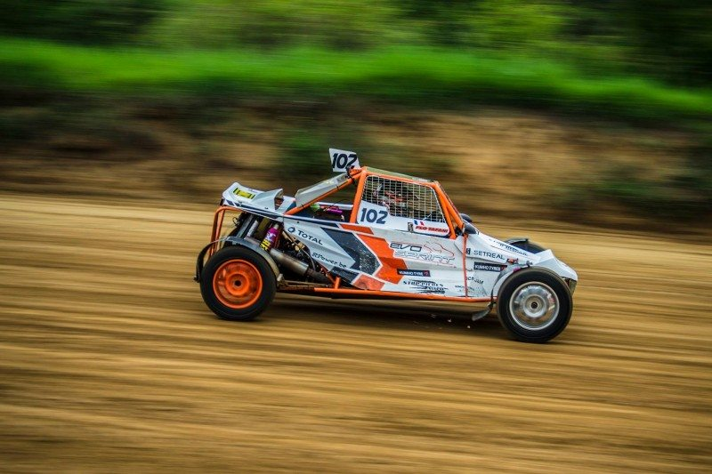 Florent Tafani's Peters Suzuki wins at Saint-Igny-De-Vers on Kumho to clinch the Buggy 1600cc class of the 2016 FIA Autocross Championship