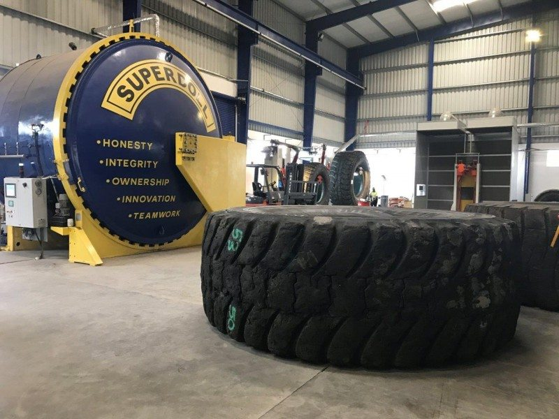 Superdoll is able to retread the world's largest OTR tyres