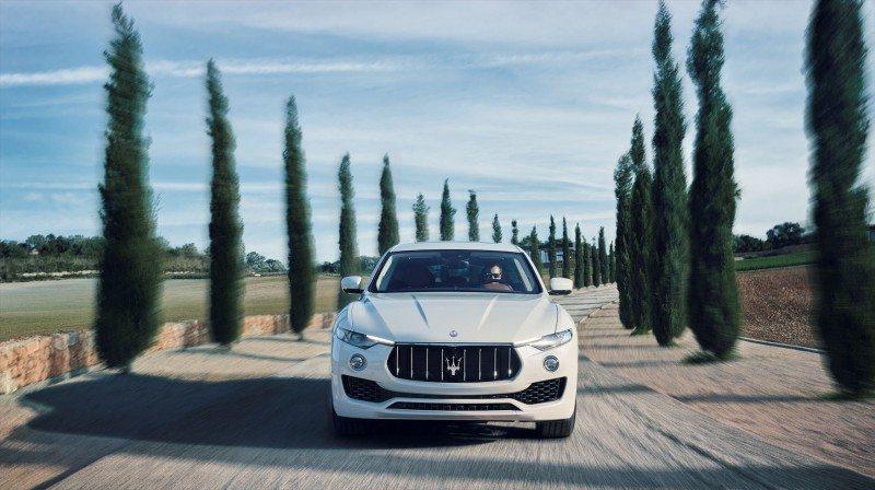 Bridgestone is supplying Maserati the Dueler H/P Sport in size 255/60 R18 108W