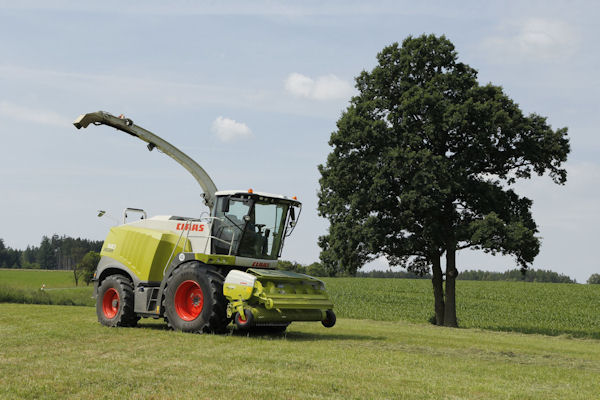 Mitas CHO tyres are designed for combine harvesters, grain carts and similar implements