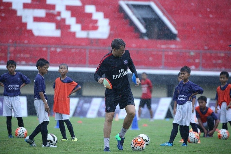 Rain proved no deterrent to youngsters keen to hone their football skills