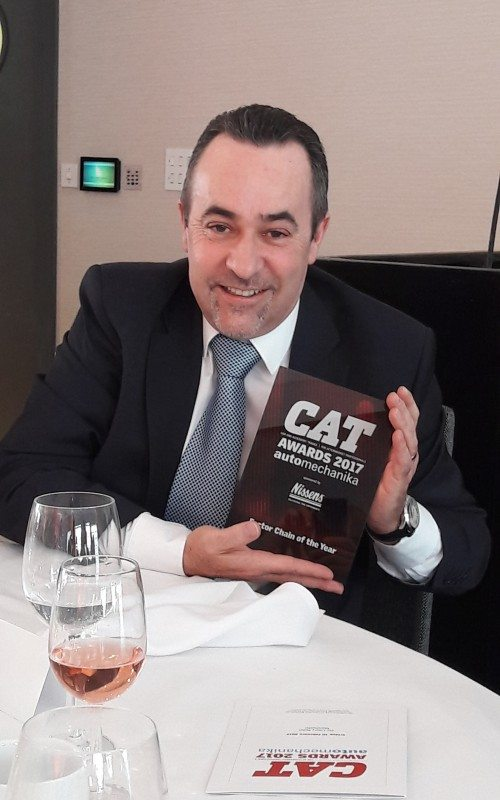 Paul Dineen, south west regional business director and head of garage programmes, with CAT's Factor of the Year Award