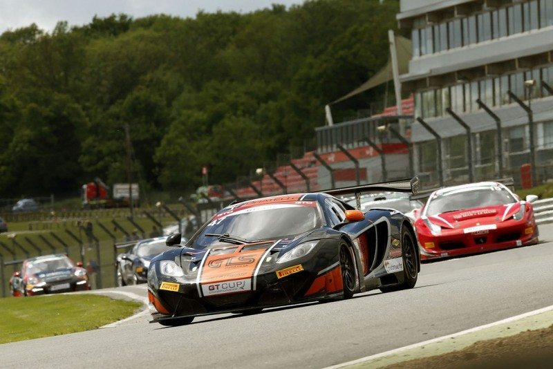Davidson and Paul shine in GT Cup with Pirelli
