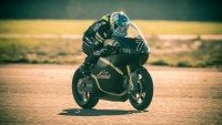 Saroléa to ride on Bridgestone again at TT Zero races