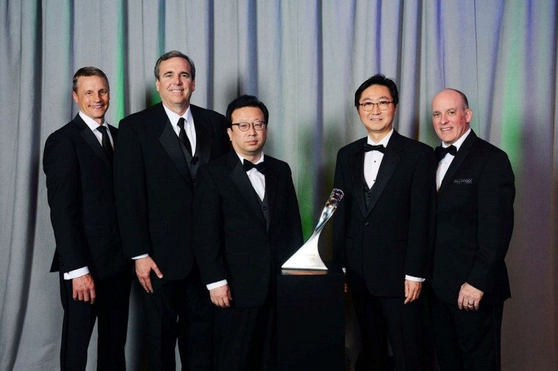 l to r: Wade Sheffer (executive director, GM Global Chassis Purchasing), Eric Shirley (sales director Hankook Tire NA OE Division), Changwon Park (Hankook Tire VP Global OE Sales), HJ Kim, (VP America OE Division), James Danahy (global functional leader GM Chassis Engineering)