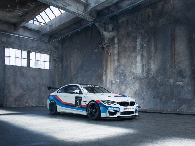 The new BMW M4 GT4 runs on Hankook's racing tyres
