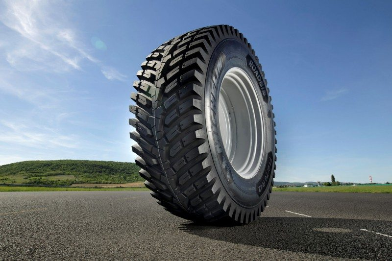 The RoadBib's tread pattern brings more rubber in contact with the road and is also said to be more comfortable and long-lived than traditional agricultural tyre designs