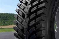 The RoadBib is the first Michelin agricultural tyre not to feature a lugged tread pattern