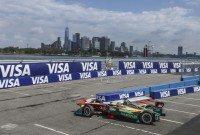 Lucas di Grassi takes Formula E title