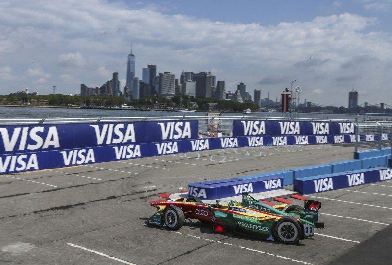 Lucas di Grassi, Formula E champion
