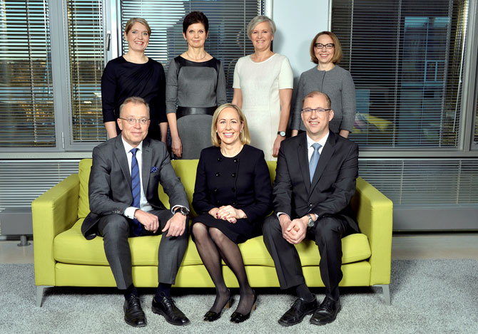 Former colleagues reunited – this photo of the Alko Inc. management board from 2015 includes both Tytti Bergman (back row, right) and Hille Korhonen (front row, middle). Photo: Alko Inc.