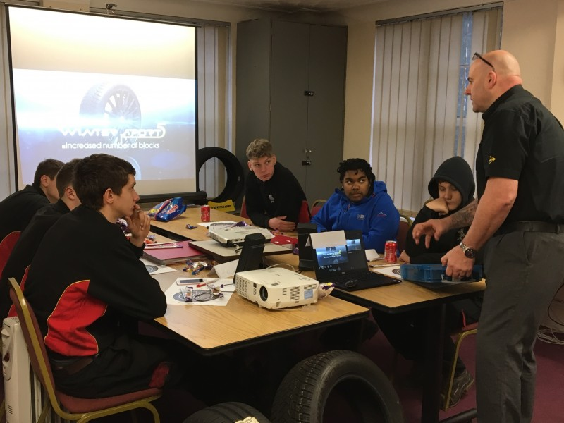 Dunlop and National Tyres & Autocare train apprentices