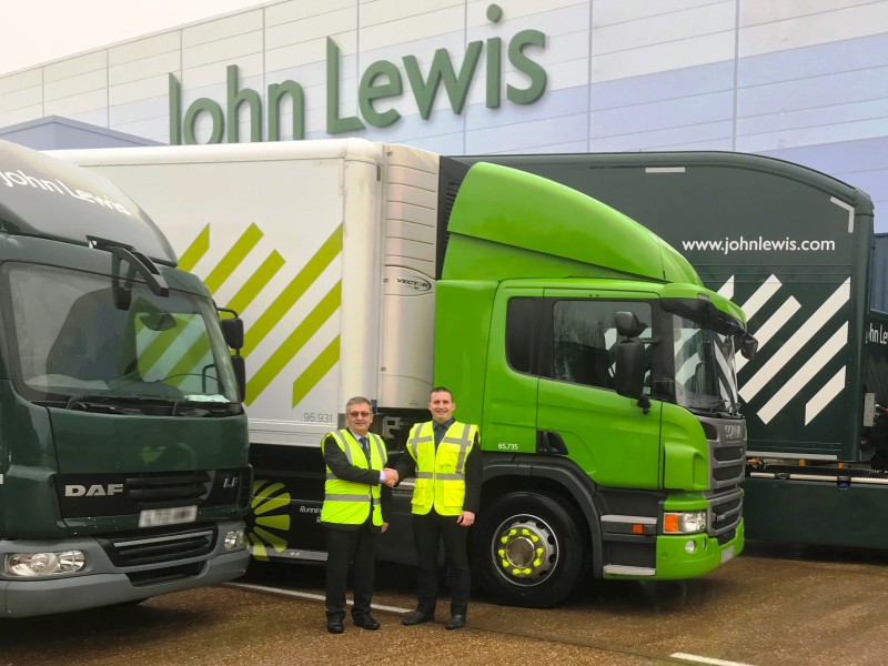(l-r) Paul Drackford, fleet maintenance manager, John Lewis Partnership and Ian Harris, sales & key account manager, Bandvulc