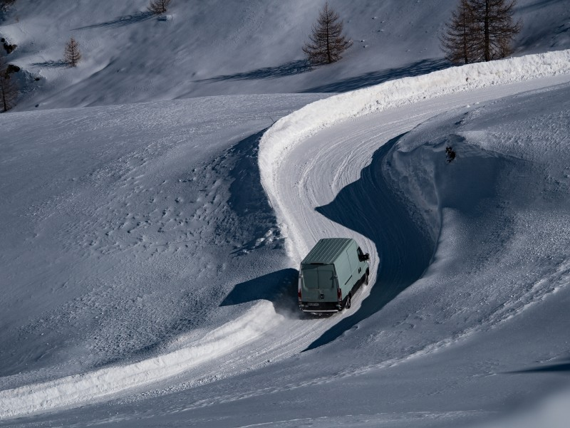 The new Michelin Agilis CrossClimate van tyre deals with the snow-covered mountain road with confidence