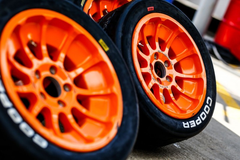 Tyre use per event is restricted to 12 dry and 12 wet tyres for each driver
