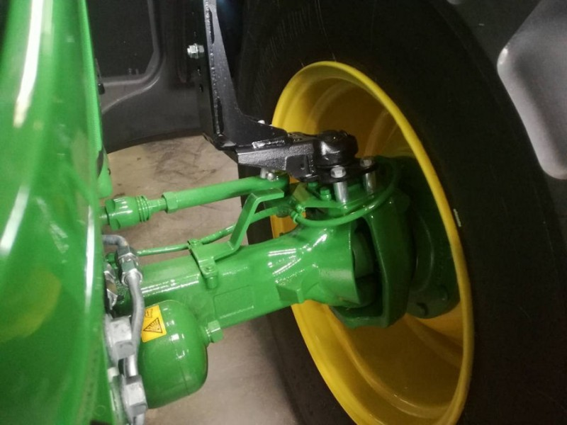More versatility for John Deere '6' tractors with STARCO wheel solution