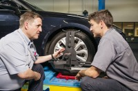 Michelin Auto Professional dealers complete new Licensed Retail Tyre Technician course